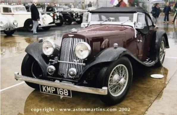 15/98 carrossé par Abbey, l'archétype du roadster britannique.
