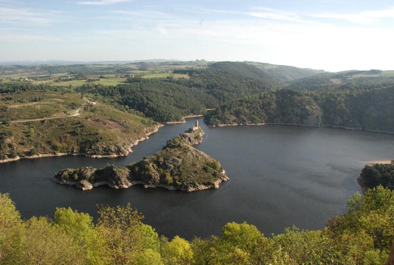vue sur le lac de Grangent depuis Essalois